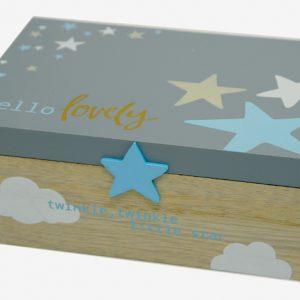 Ξύλινο κουτί αναμνήσεων με αστεράκια
